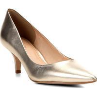 3221b5cf3 Scarpin Couro Shoestock Salto Baixo Metalizado - Feminino-Dourado