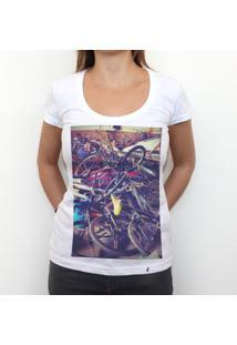 Broken Bycicles - Camiseta Clássica Feminina