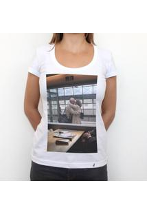 Janela - Camiseta Clássica Feminina