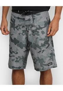 Bermuda Calvin Klein Camuflada Masculina - Masculino