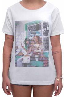 Camiseta Impermanence Estampada Broken Feminina - Feminino-Branco