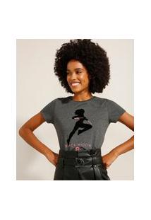 Camiseta Viúva Negra Manga Curta Decote Redondo Chumbo