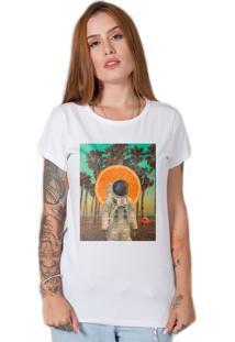 Camiseta Verão No Espaço Branco