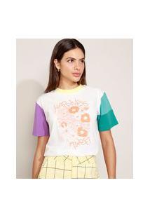 "T-Shirt Feminina Mindset Happiness"" Floral Manga Curta Colorida Decote Redondo Off White"""