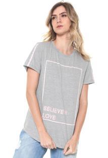 Camiseta Morena Rosa Estampada Cinza