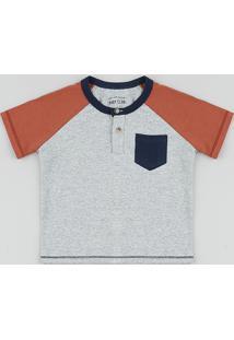 Camiseta Infantil Raglan Com Bolso Manga Curta Gola Portuguesa Cinza Mescla